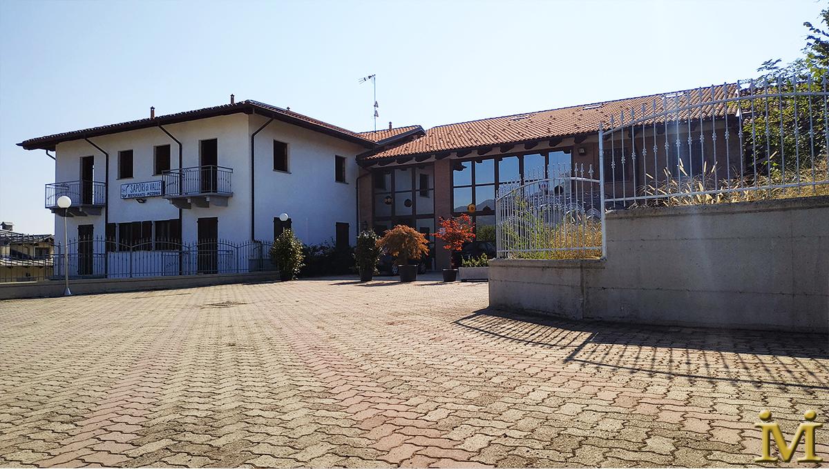 Intero edificio + Attività avviata Hotel + Reddito da locazione ristorante | Martiniana Po CN